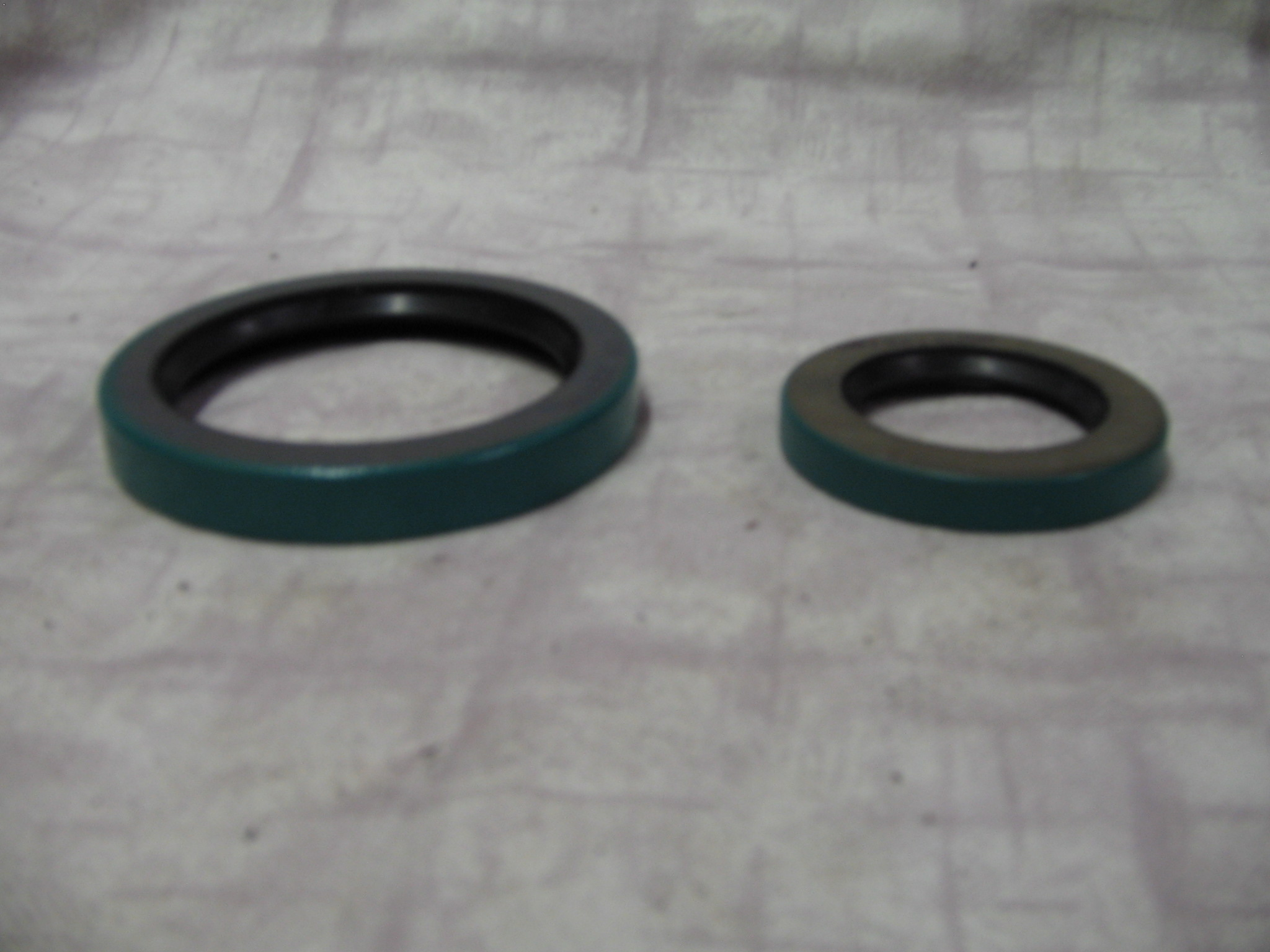 Oil Seals (stm00814and815)